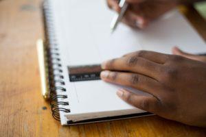 main cahier règle